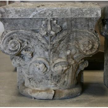 Chapiteau en pierre