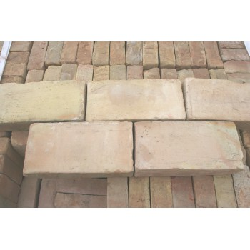 Briques neuve faite main