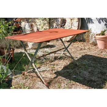 Table en fer rectangulaire