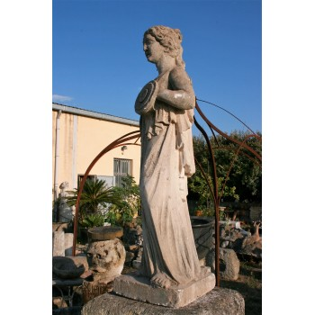Statue en pierre néoantique