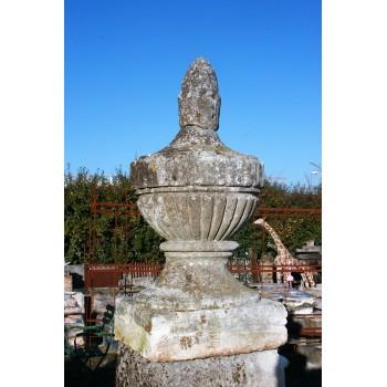 Grand vase en pierre