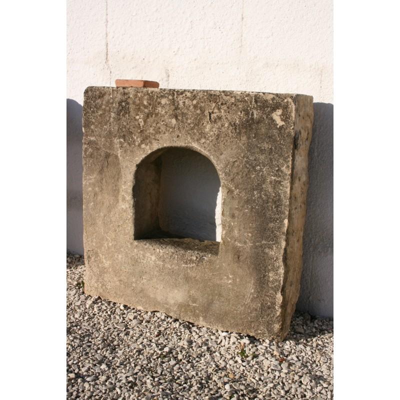 Encadrement fen tre en pierre labrouche antiquaire de for Encadrement fenetre
