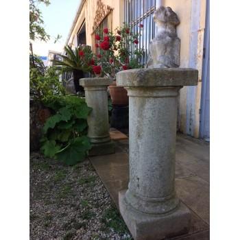 Paire de colonnes monolithes
