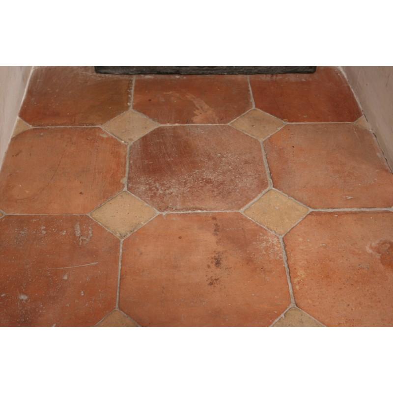 Carrelage en terre cuite labrouche antiquaire de mat riaux for Carrelage octogonal