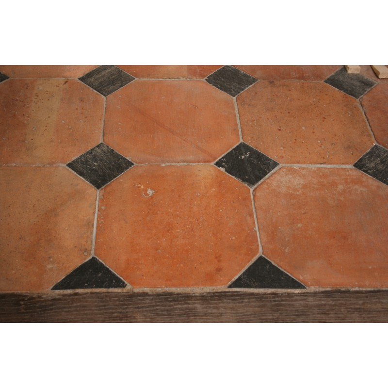 Carrelage ancien octogonal 31 x 31 cabochons for Carrelage style campagnard