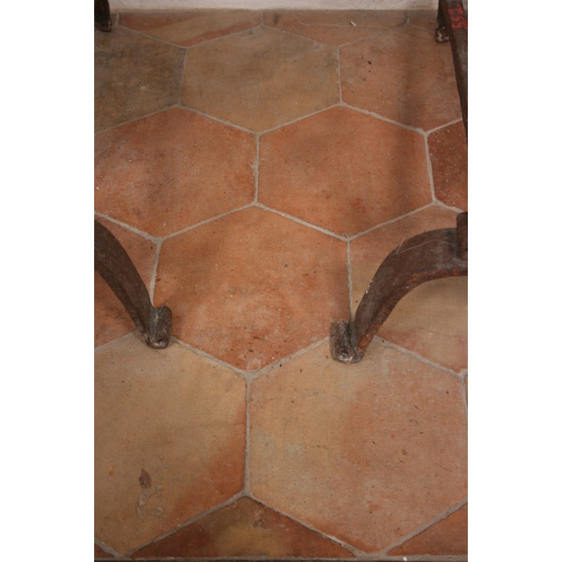 Carrelage ancien hexagonal 21 x 21 labrouche antiquaire for Carrelage style campagnard