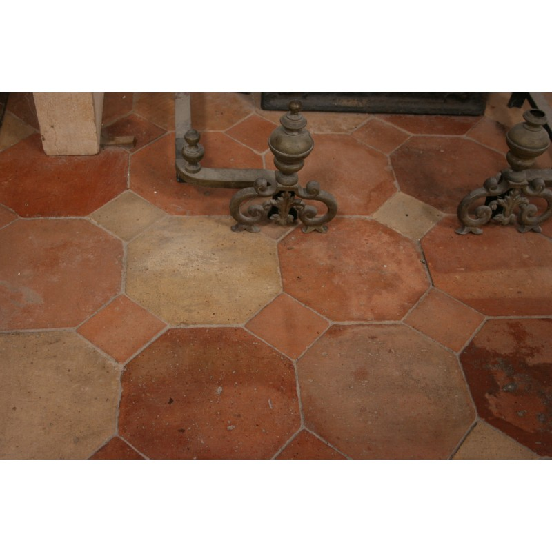 Carrelage ancien 23 x 23 cabochons labrouche for Carrelage style campagnard